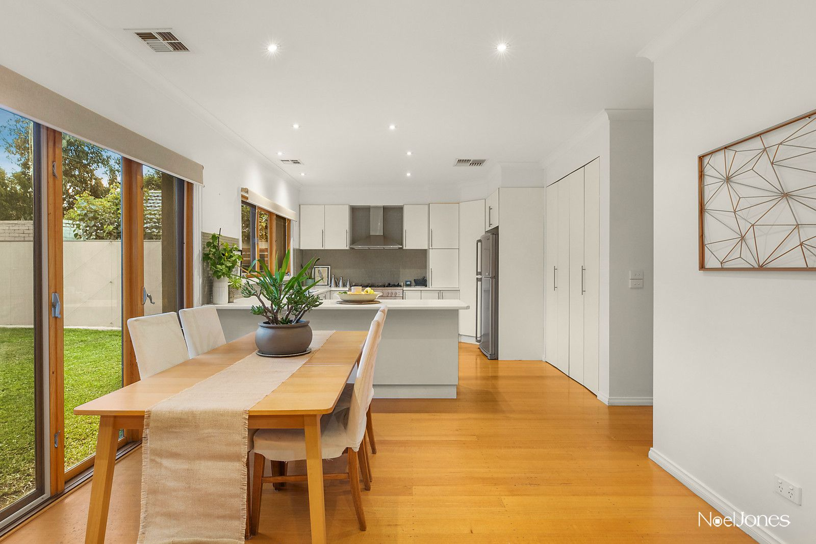 1 Belgravia Avenue, Mont Albert North VIC 3129, Image 2
