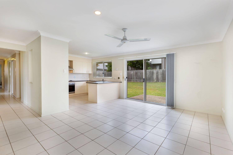 15 Radiata Court, Morayfield QLD 4506, Image 2