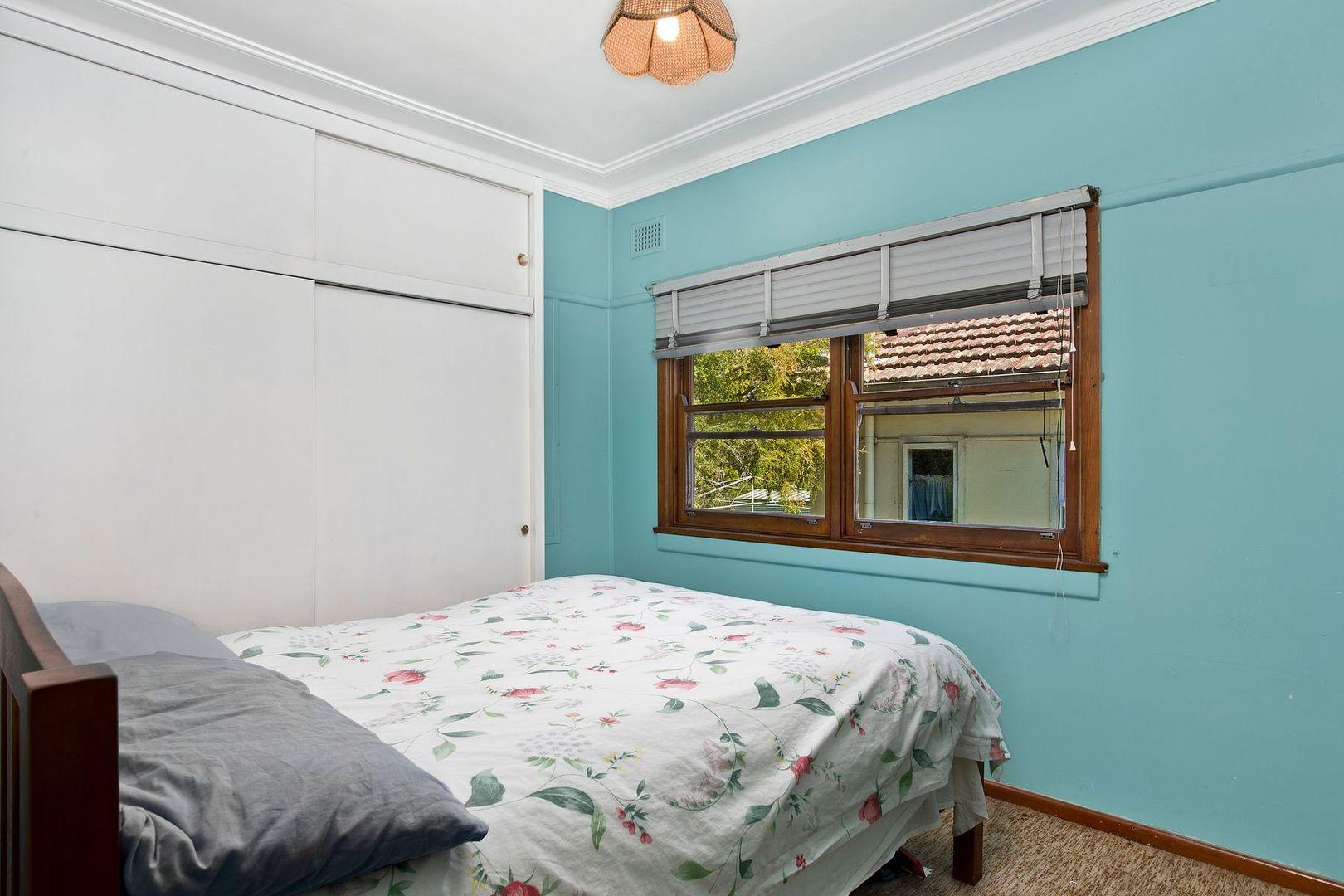 16 Skenes Avenue, Eastwood NSW 2122, Image 2