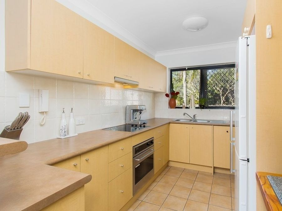 3/101 Dunellan Street, Greenslopes QLD 4120, Image 2