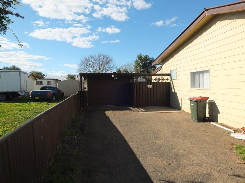 44 Goobar  Street, Narrabri NSW 2390, Image 2