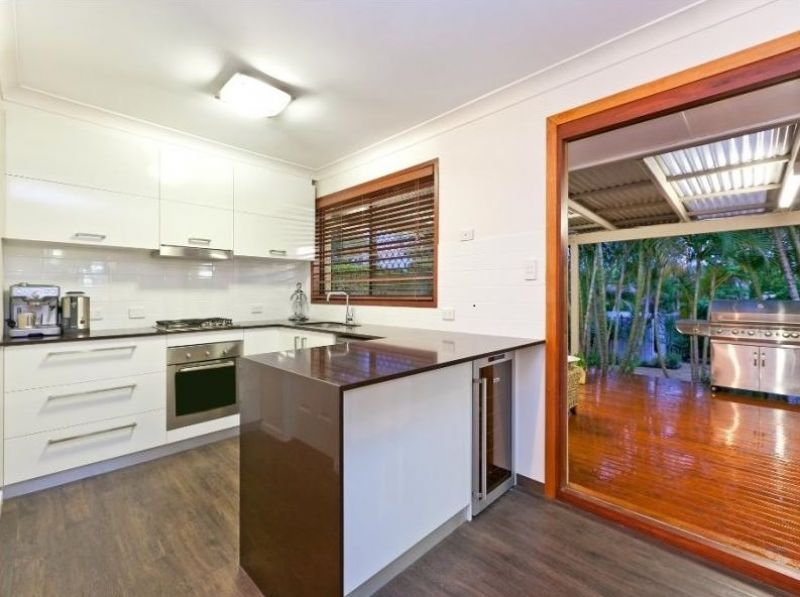 18 Chiseldon Street, Alexandra Hills QLD 4161, Image 2
