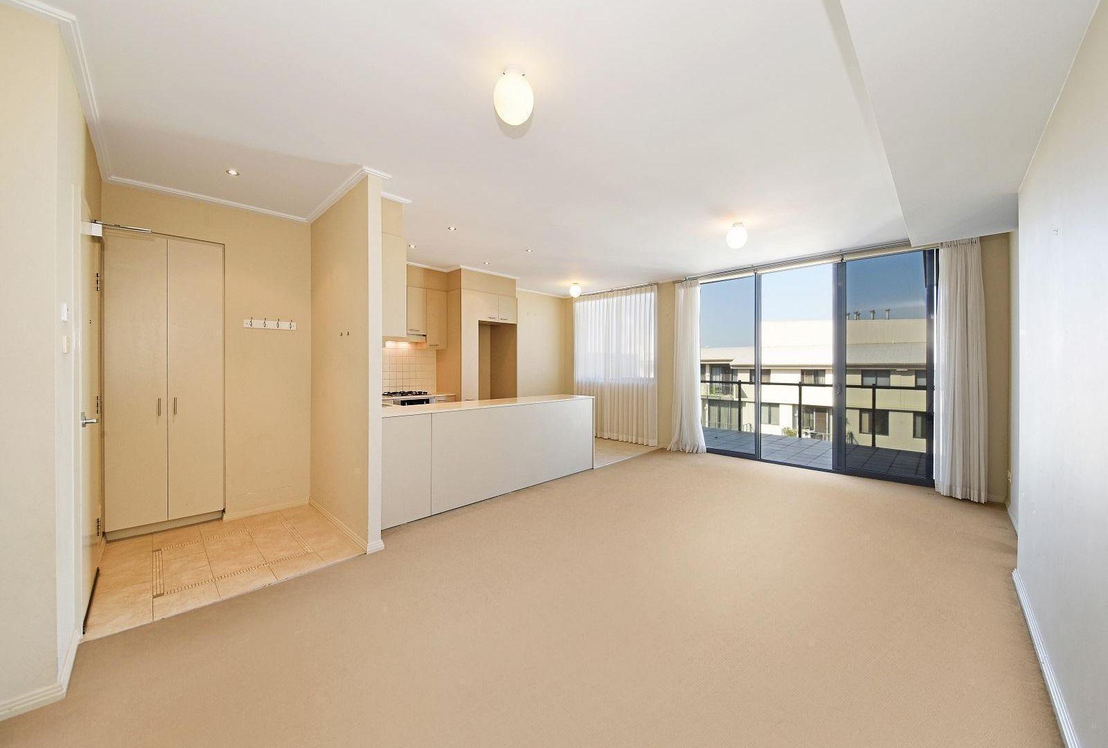 806/2 Orara Street, Waitara NSW 2077, Image 1
