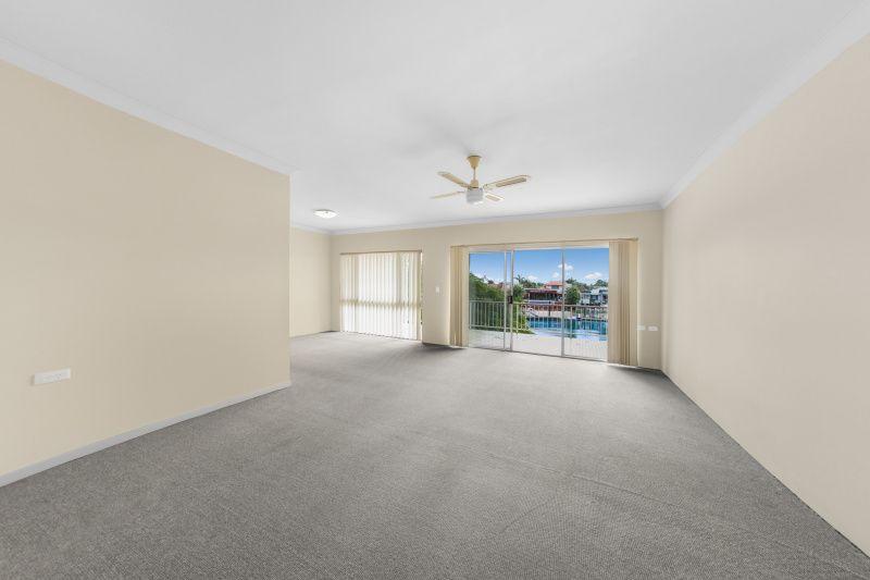 6/29 Hooker Boulevard, Broadbeach Waters QLD 4218, Image 2