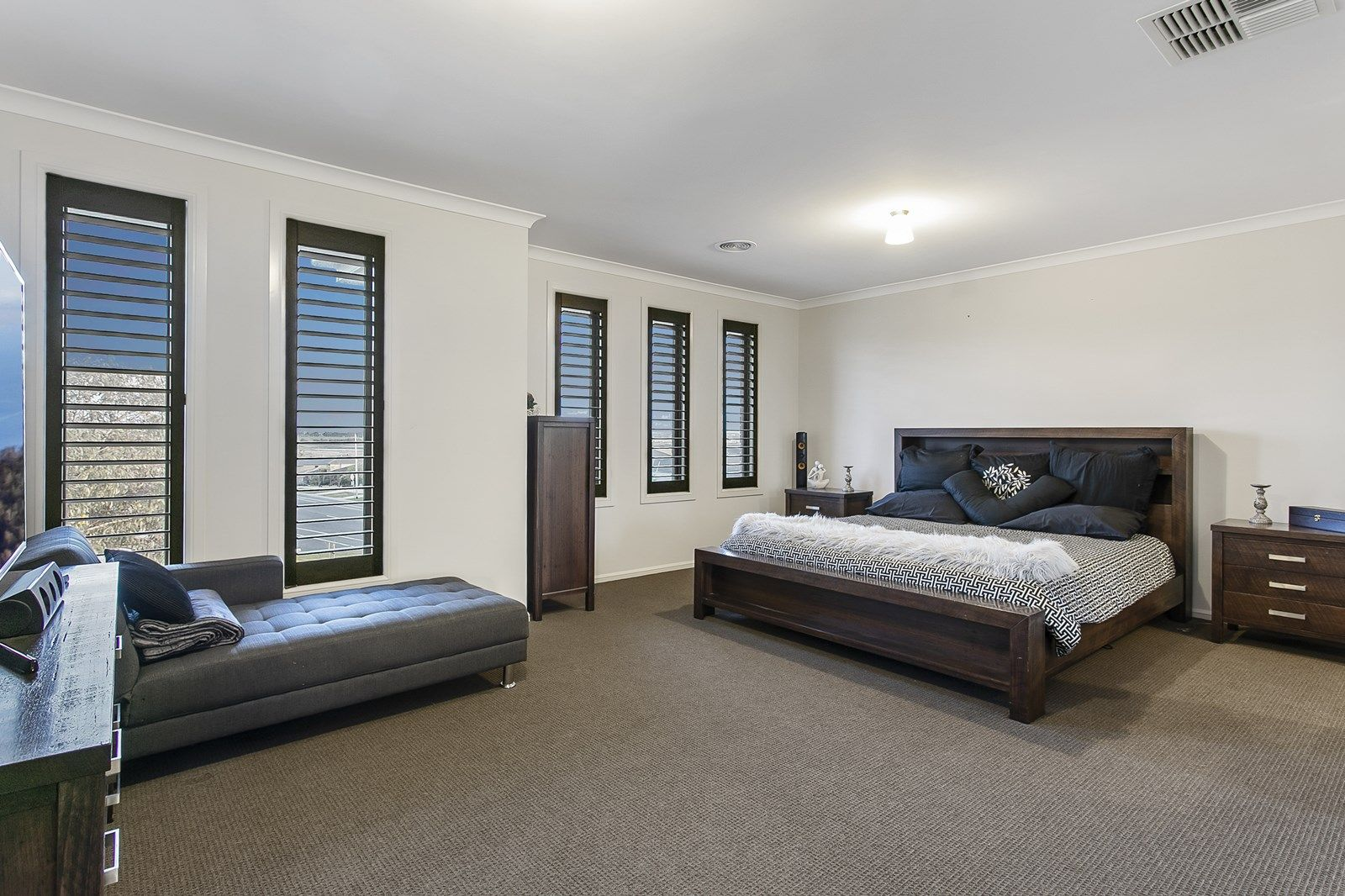 1 Coolana Drive, Clyde North VIC 3978, Image 2