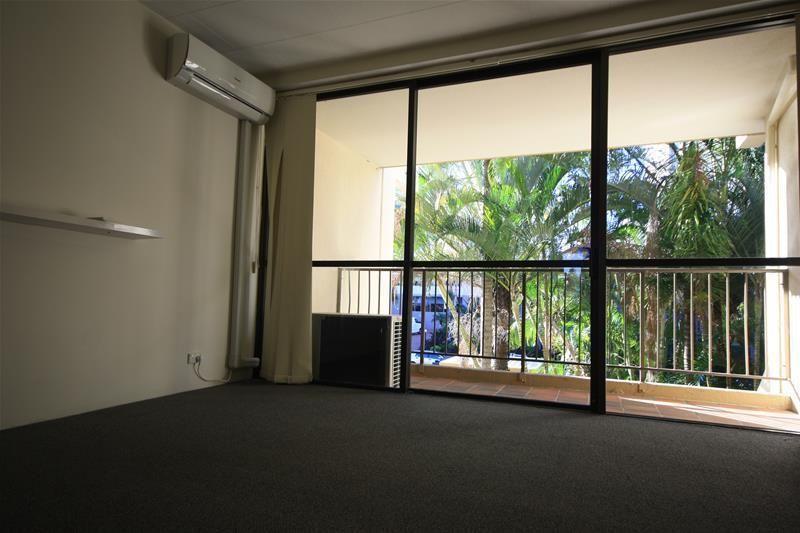 'Woodrowe Place' 28 Woodroffe Avenue, Main Beach QLD 4217, Image 2
