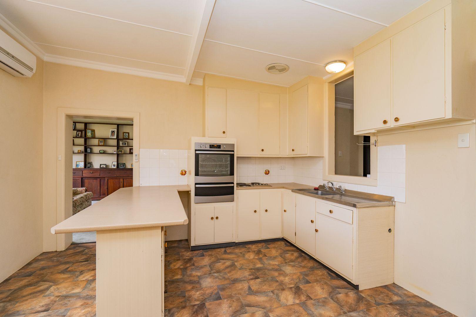 85 Douglas  Street, Narrandera NSW 2700, Image 1