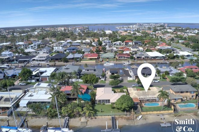 Picture of 8 Paterson Place, PARADISE POINT QLD 4216