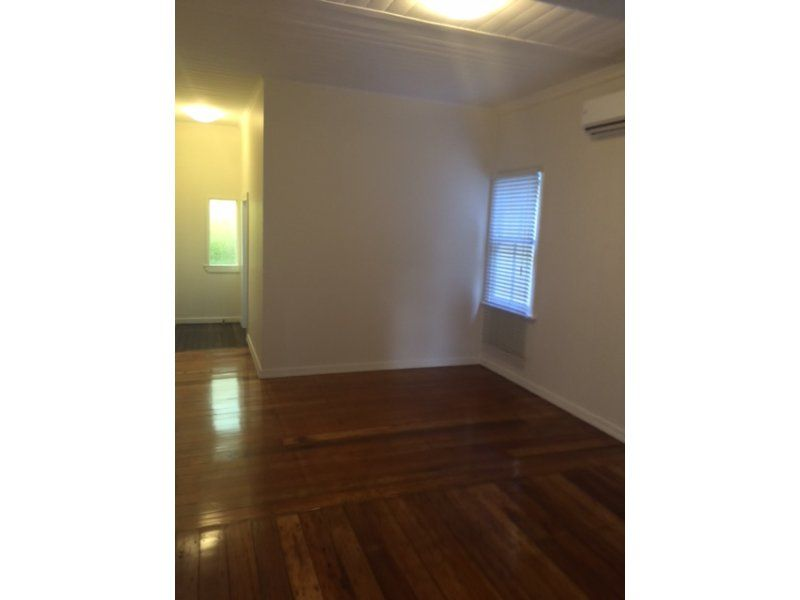 24 Terrace Street, Paddington QLD 4064, Image 2