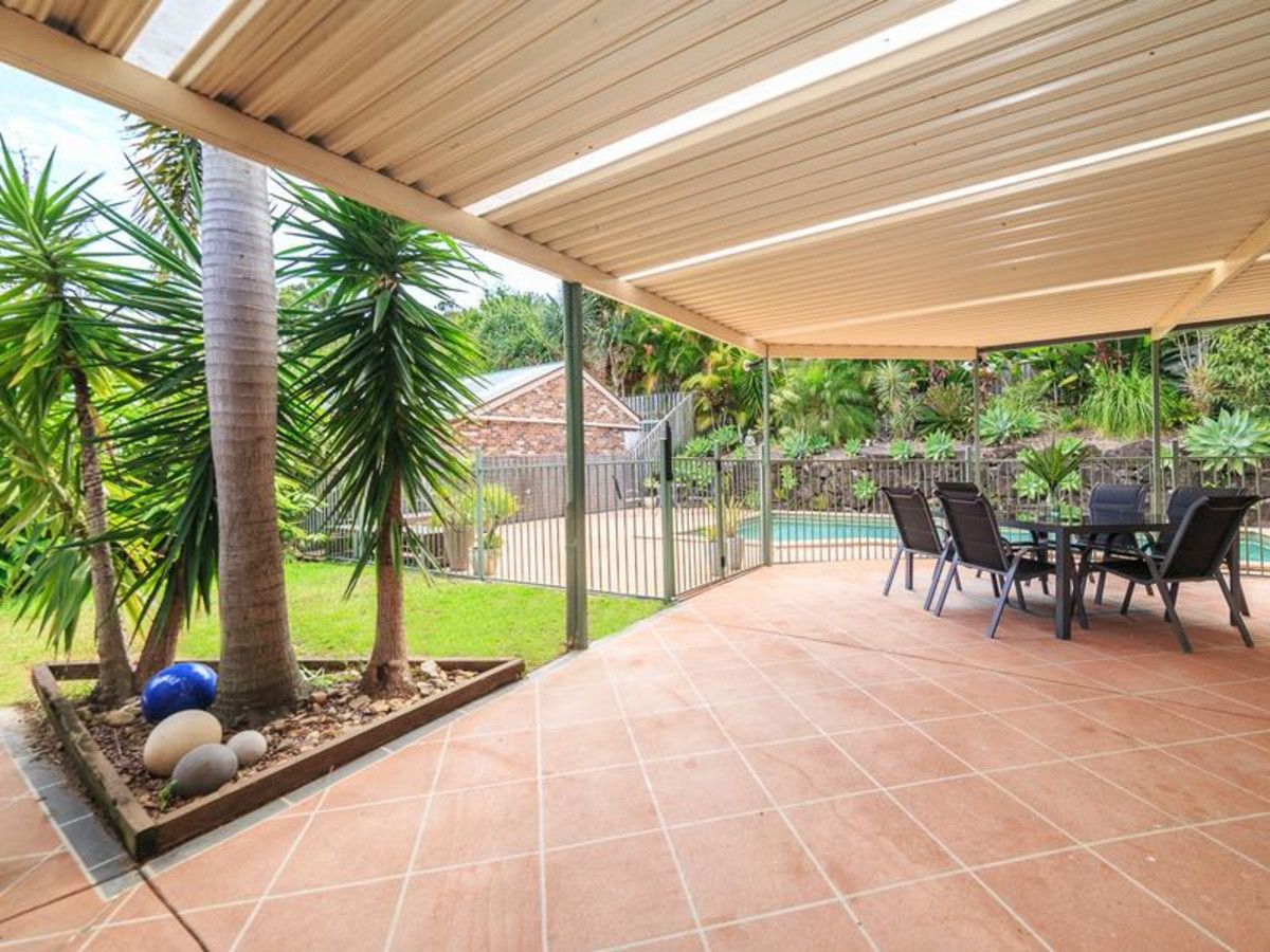 33 Forest Drive, Elanora QLD 4221, Image 2