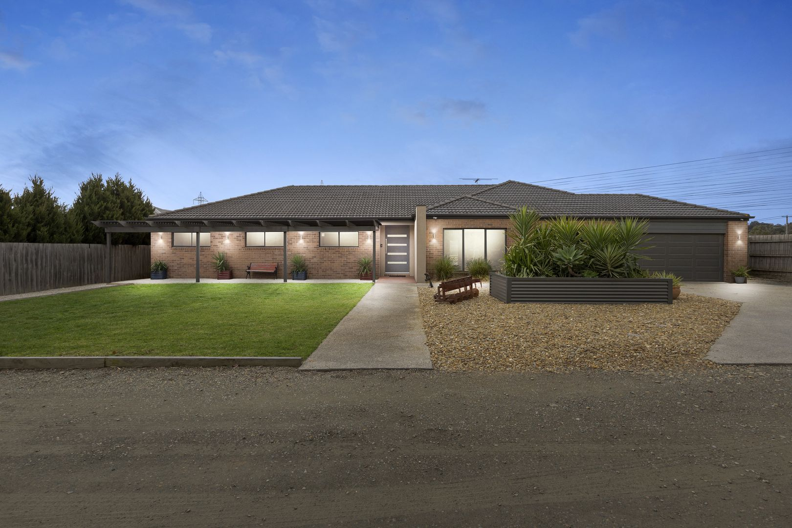 8 Alfred Close, Narre Warren North VIC 3804, Image 0