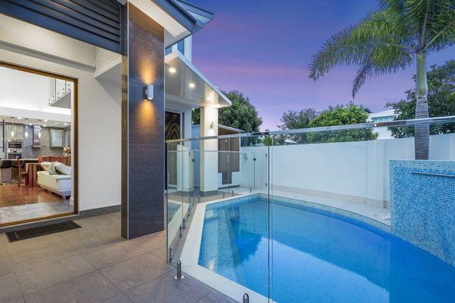 Picture of 13 Tortola Place, KAWANA ISLAND QLD 4575
