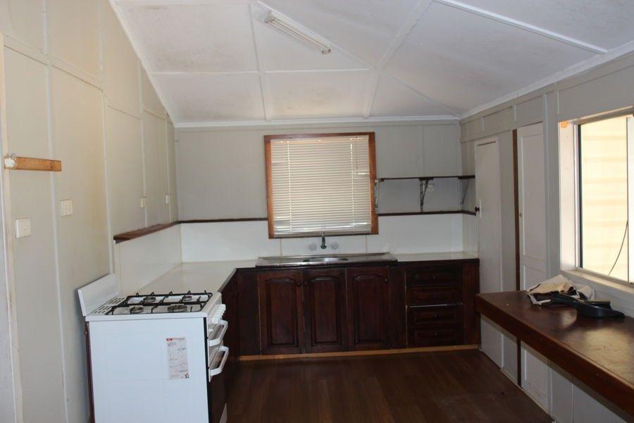 6 Hocken Street, North Mackay QLD 4740, Image 2