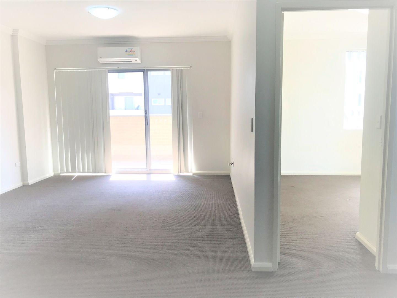 8/3-5 Browne Pde, Warwick Farm NSW 2170, Image 1