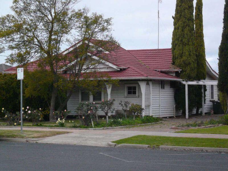 15 Roberts Avenue, Horsham VIC 3400, Image 0