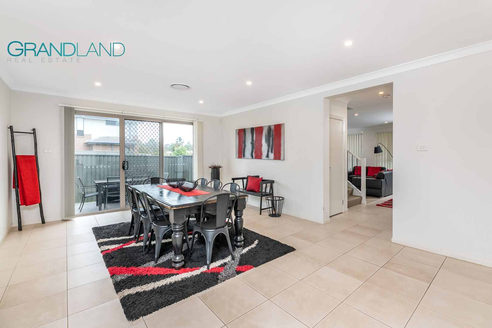 27 Sawsedge Avenue, Denham Court NSW 2565, Image 2