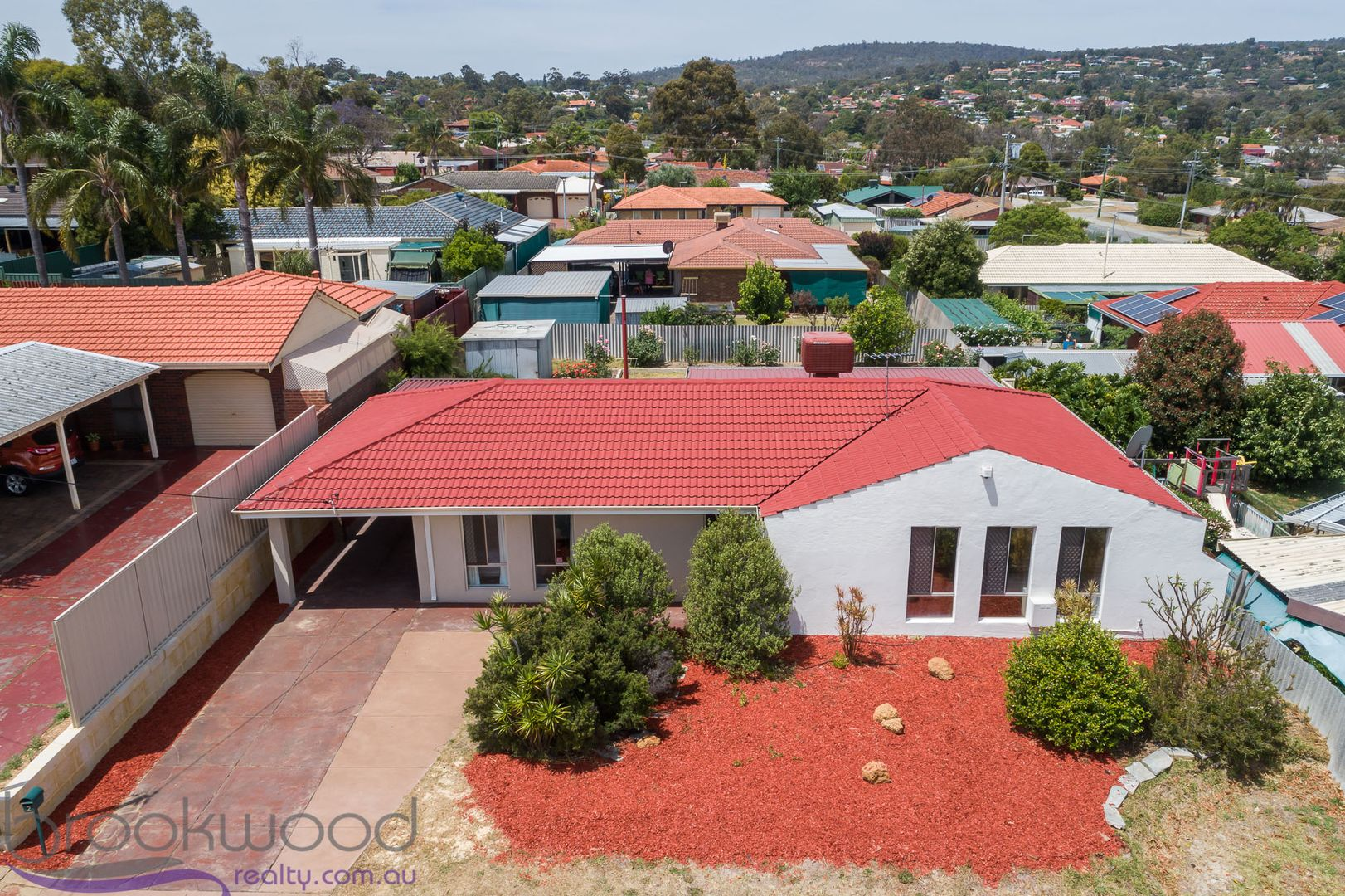 2 Chalfont Way, Swan View WA 6056, Image 0