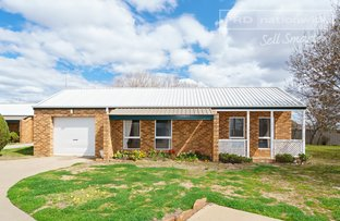 Picture of 1/47 Karoom Drive, Glenfield Park NSW 2650