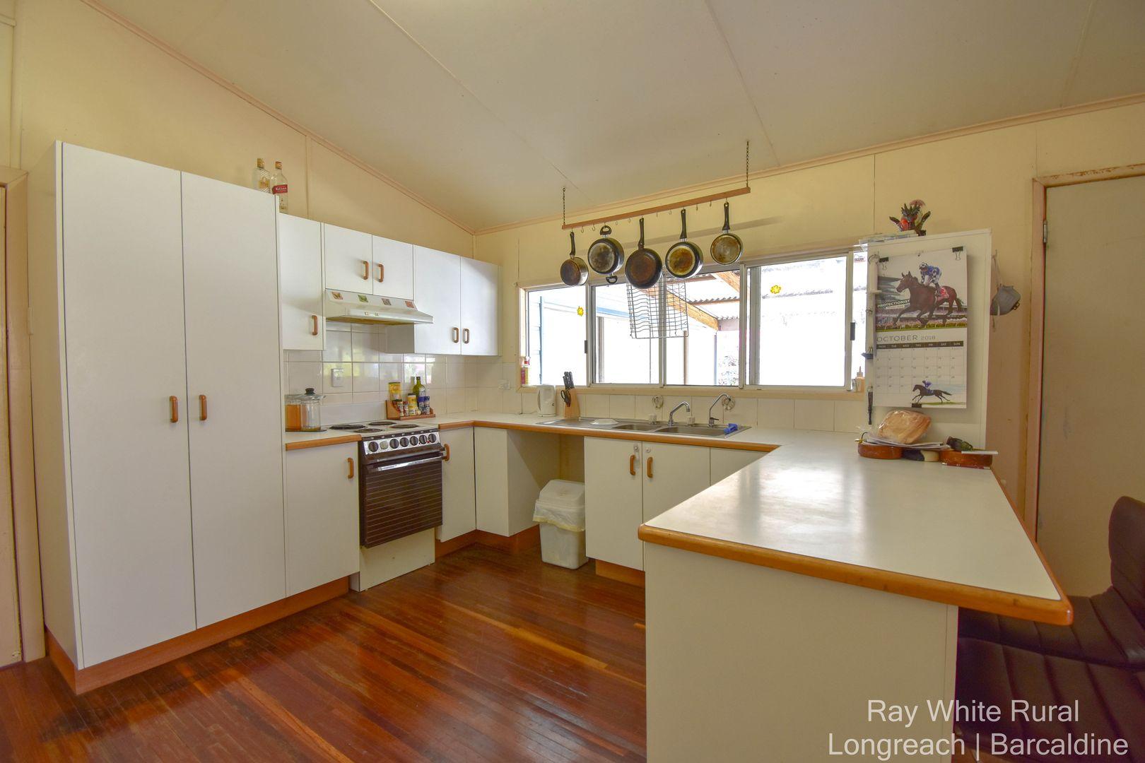 136 Galah Street, Longreach QLD 4730, Image 2