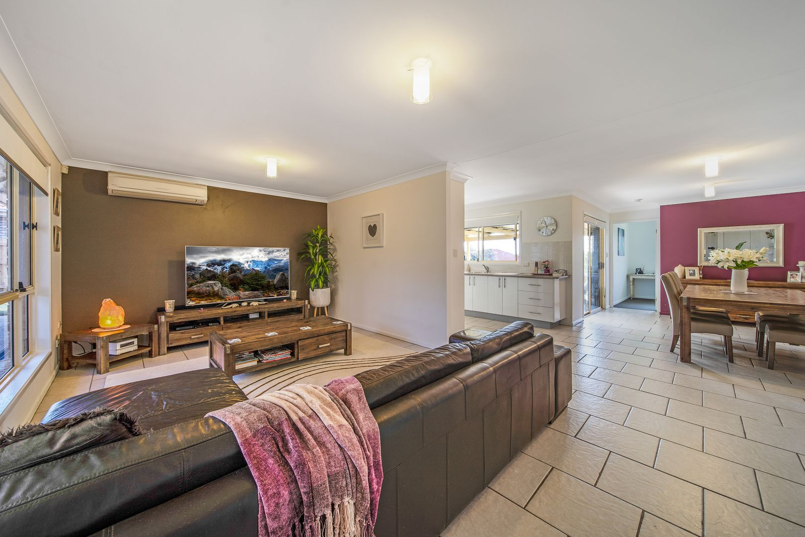 19 Sandra Ann Drive, Edens Landing QLD 4207, Image 1
