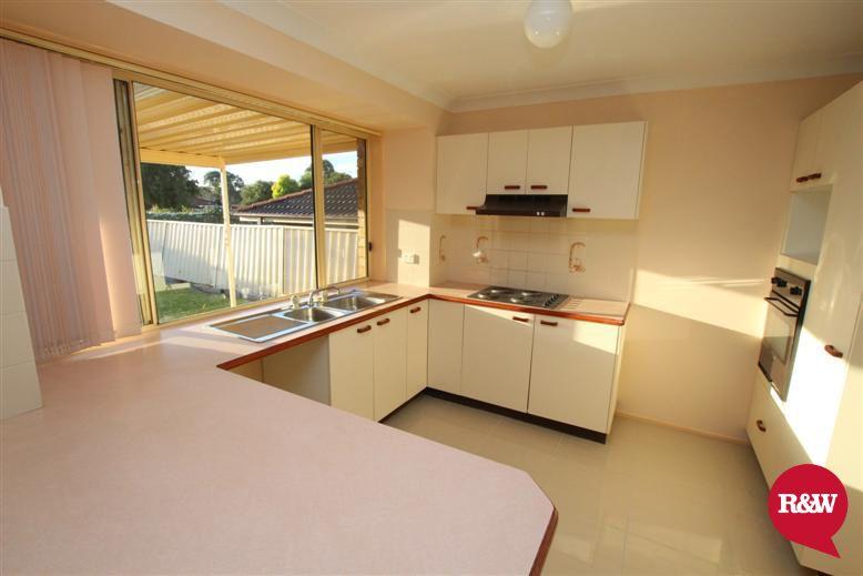 5 Woodlands Drive, Glenmore Park NSW 2745, Image 2