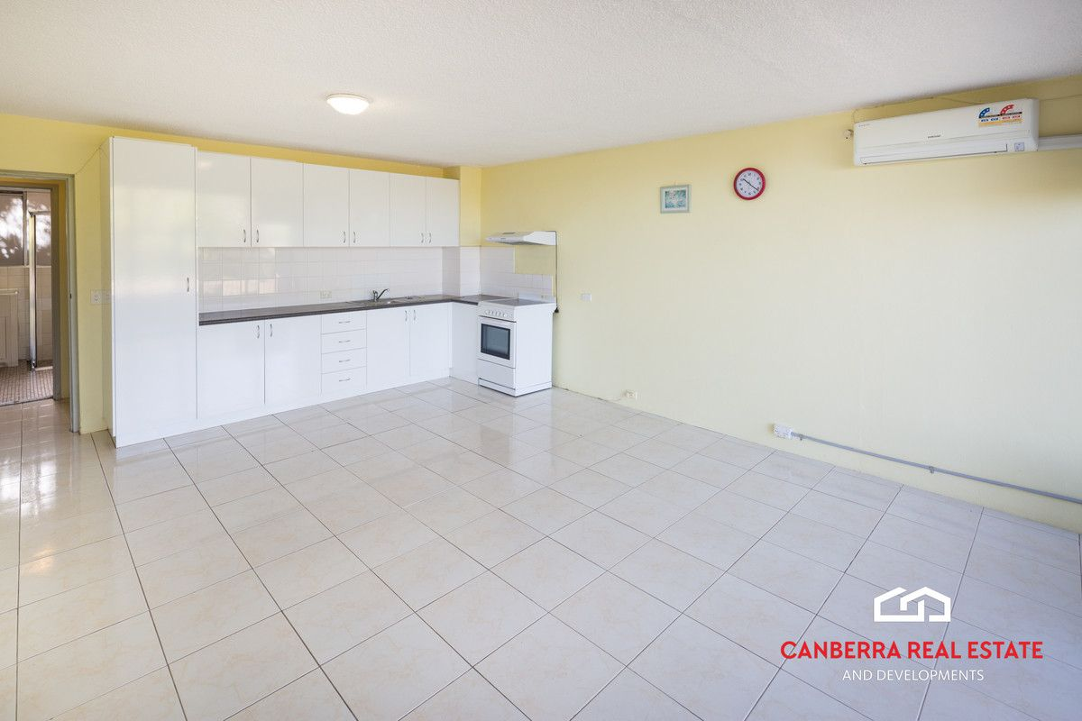 10/4 Wilkins Street, Mawson ACT 2607, Image 2