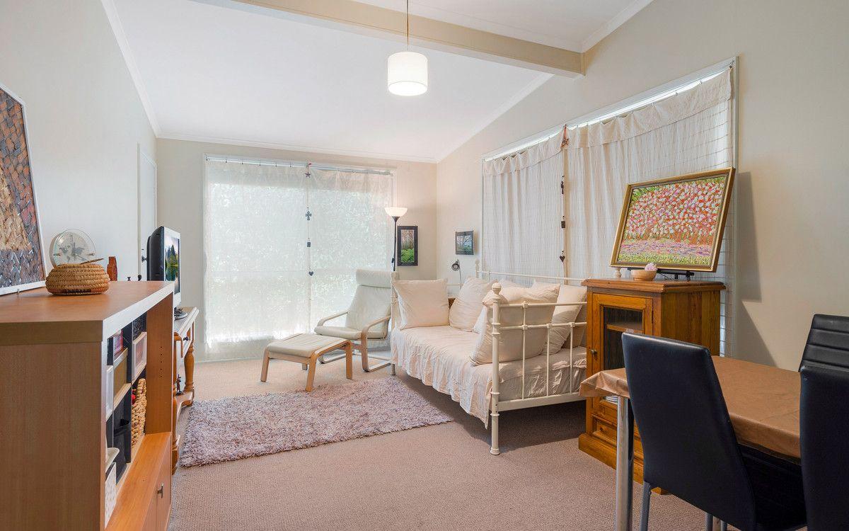 51 Springwood Avenue, Springwood NSW 2777, Image 2