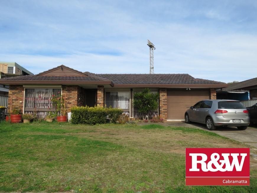 31 Saxonvale Crescent,, Edensor Park NSW 2176, Image 0