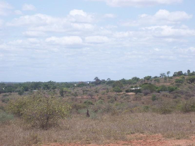162 Range Road, Toll QLD 4820, Image 2