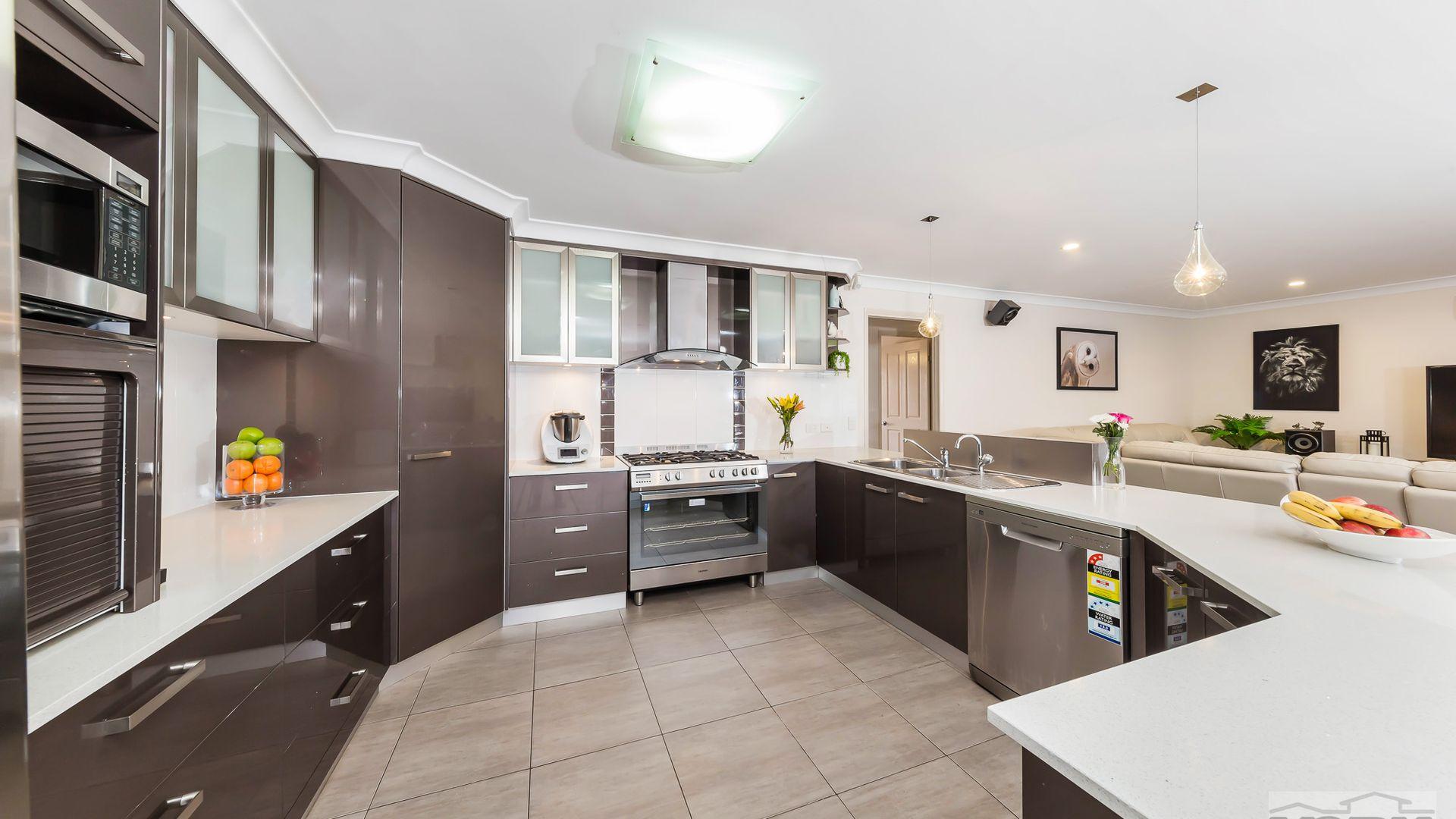 50 Holly Avenue, Highfields QLD 4352, Image 2