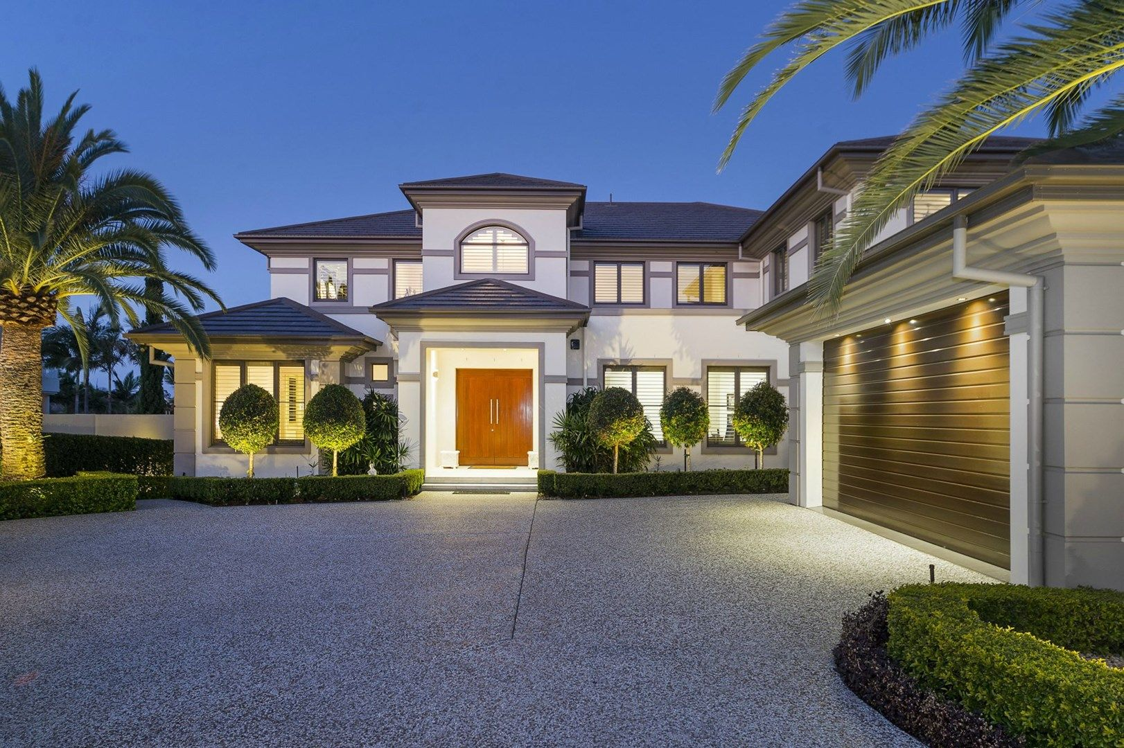 2595 Gracemere Circuit North, Hope Island QLD 4212, Image 2