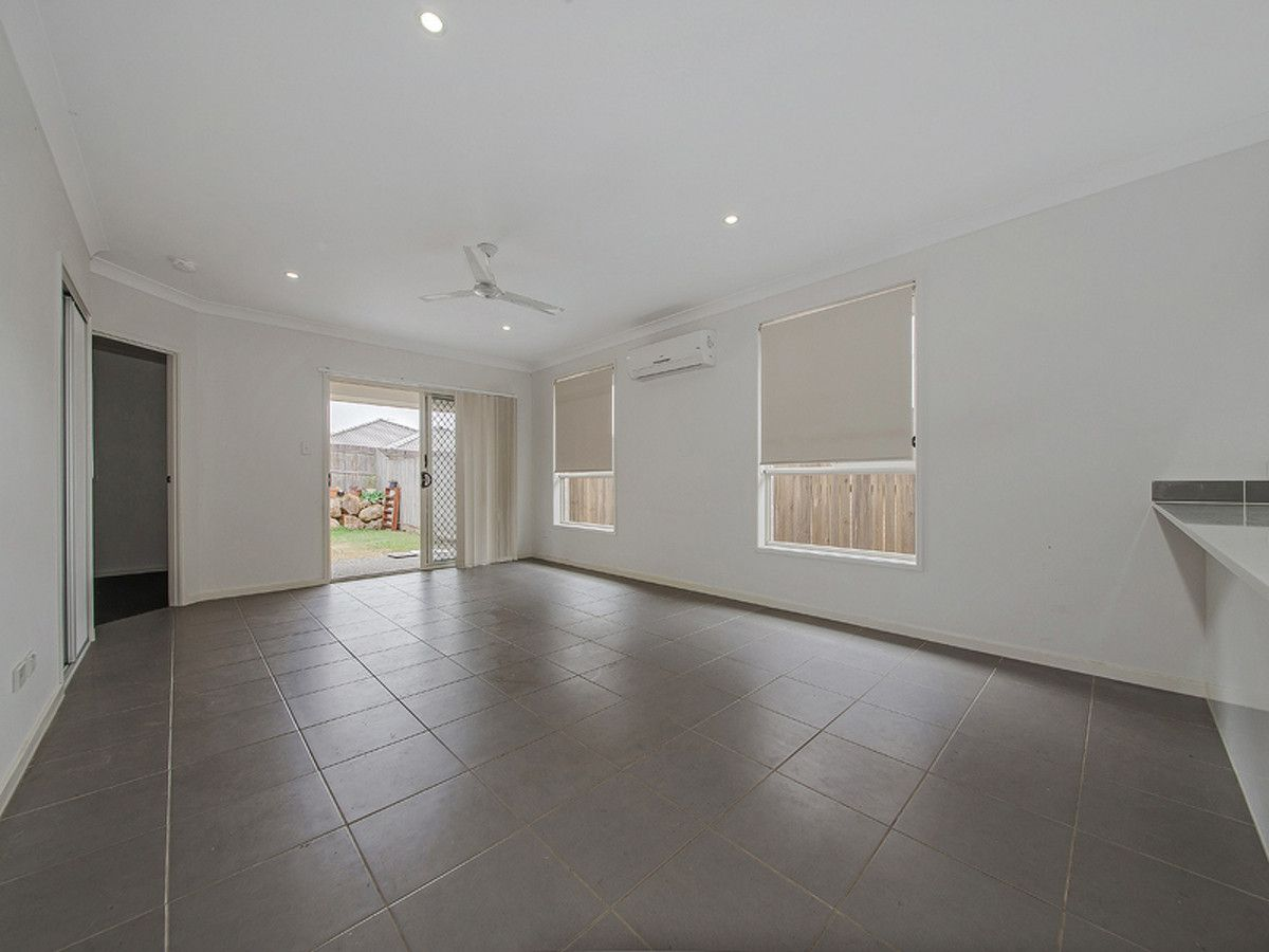32 Carpenter Street, Yarrabilba QLD 4207, Image 2