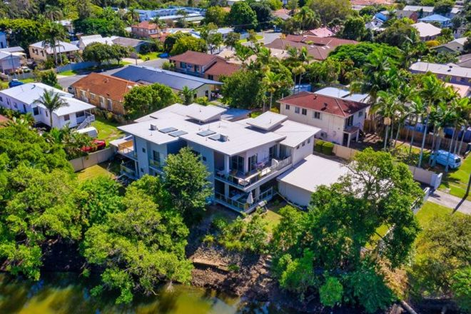 Picture of 38 Worendo Street, SOUTHPORT QLD 4215