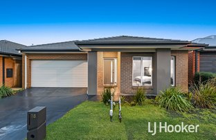 Picture of 18 Elkedra Way, Cranbourne North VIC 3977