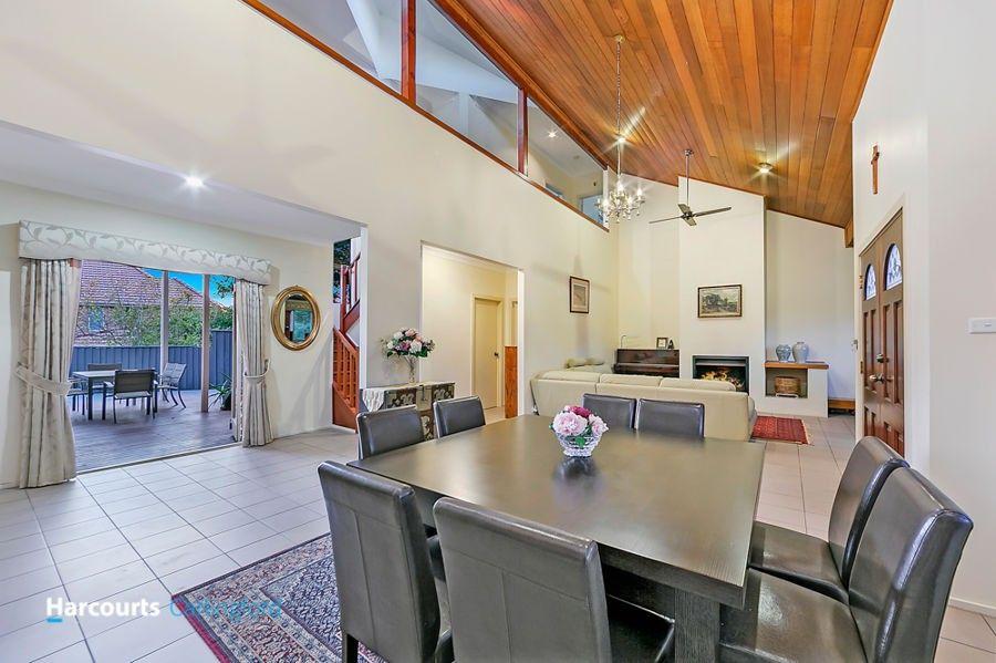 11 Argyle Place, West Pennant Hills NSW 2125, Image 2