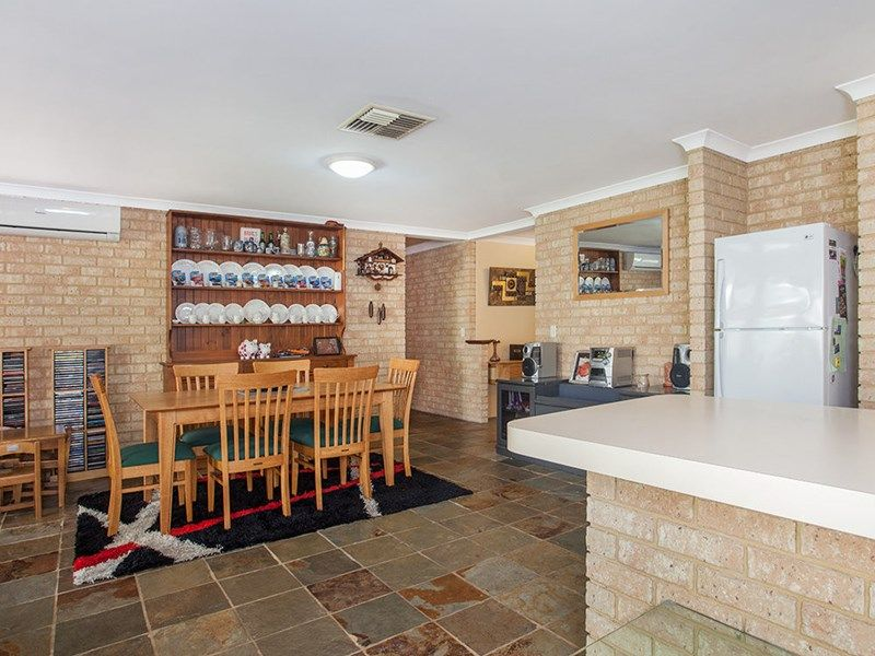 6 Marraboor Close, Success WA 6164, Image 2