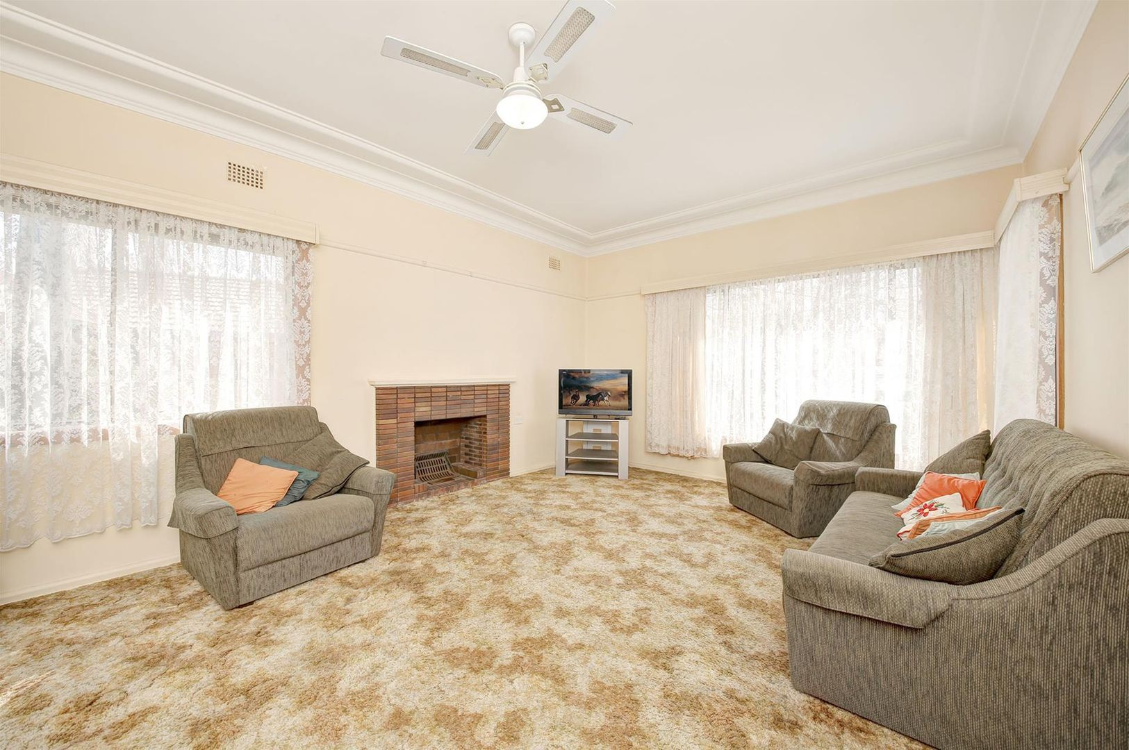 61 Alamein Road, Revesby Heights NSW 2212, Image 2