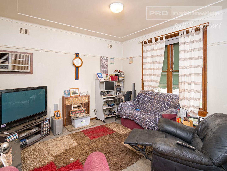 11 Spooner Avenue, Mount Austin NSW 2650, Image 1
