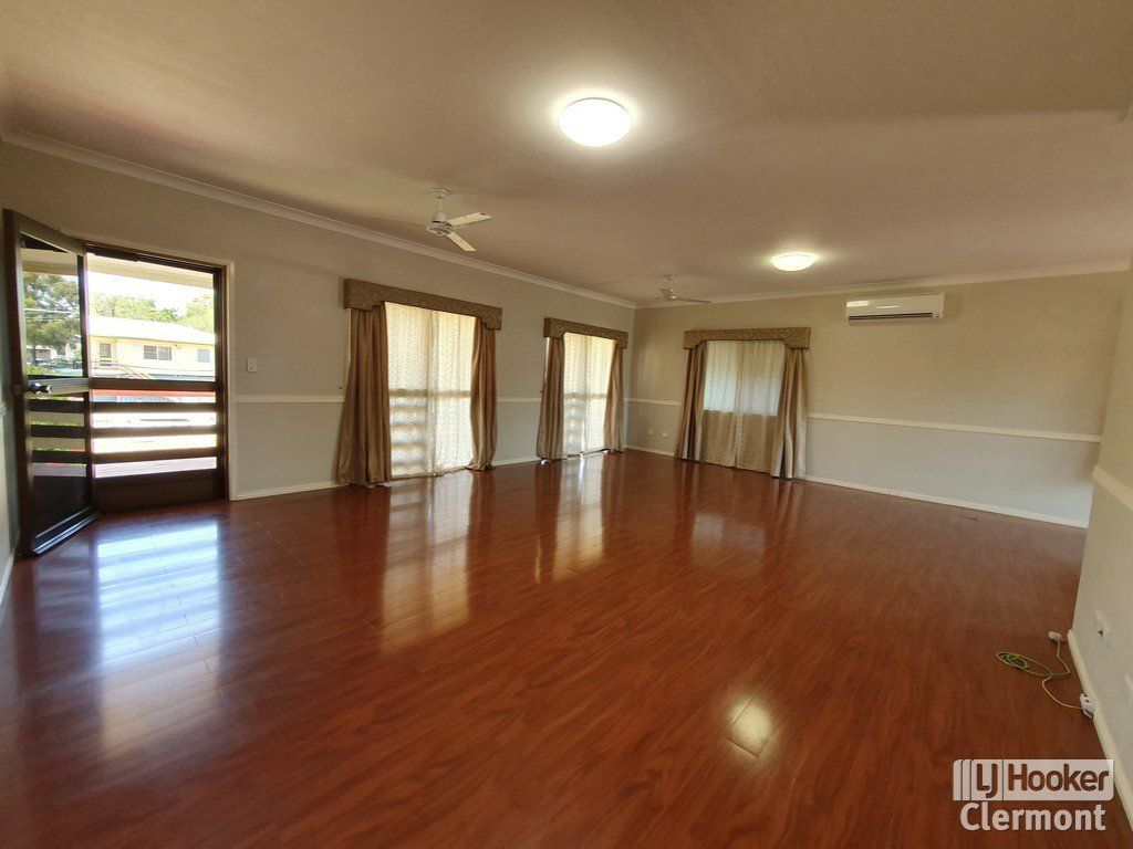 11 Risien Street, Clermont QLD 4721, Image 2