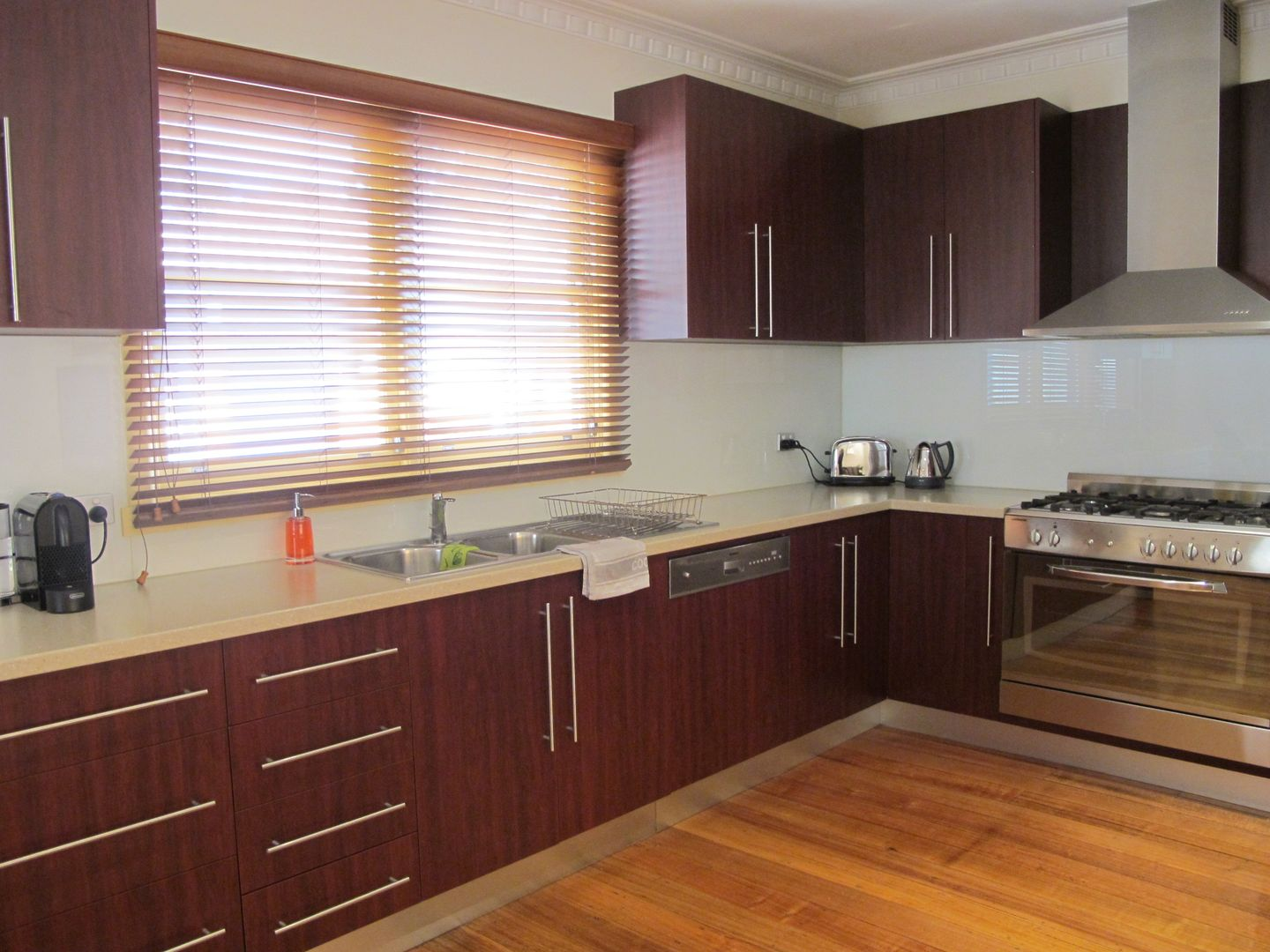 27 Ridley Avenue, Avondale Heights VIC 3034, Image 1