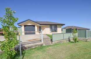 Picture of 1/75 Blackett Avenue, Young NSW 2594