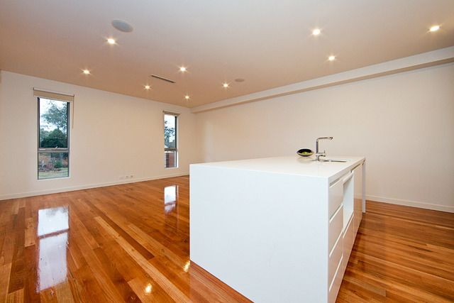 34 Charteris Crescent, Chifley ACT 2606, Image 2