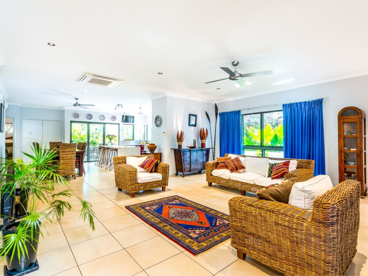 30 Tyrconnell Cr, Redlynch QLD 4870, Image 2