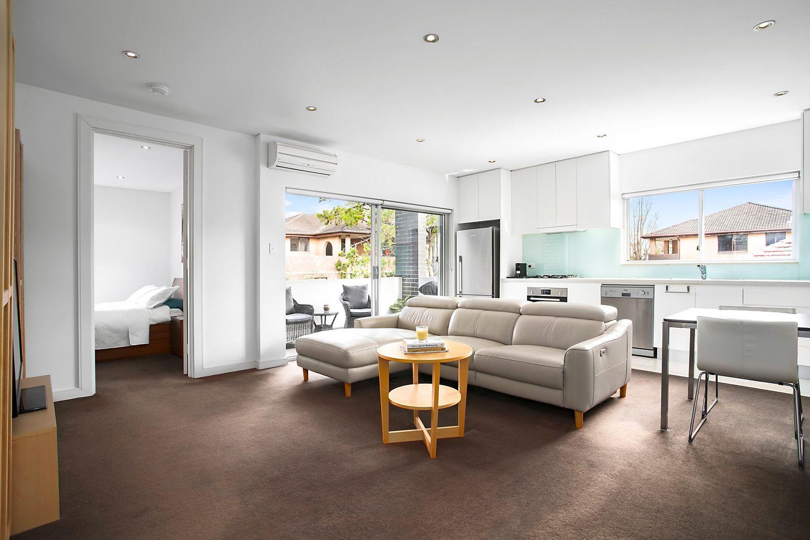 1 bedrooms Apartment / Unit / Flat in 17/10-14 Duke Street KENSINGTON NSW, 2033