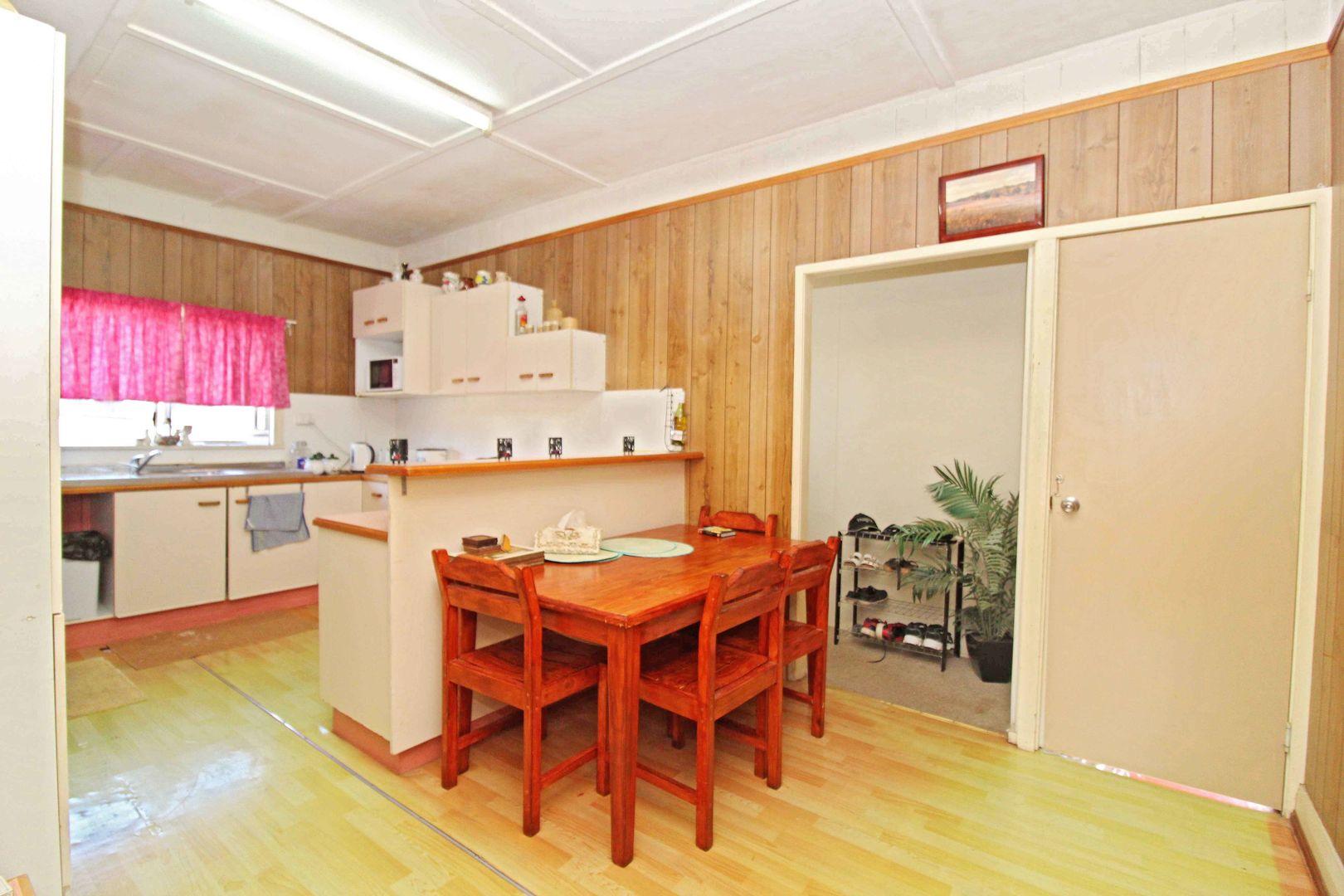 165 Wood St, Warwick QLD 4370, Image 2