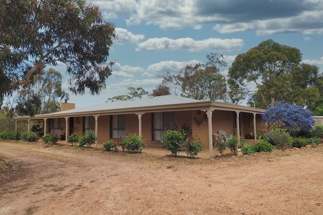 Picture of 82 Metcalfe Road, GREAT WESTERN VIC 3374