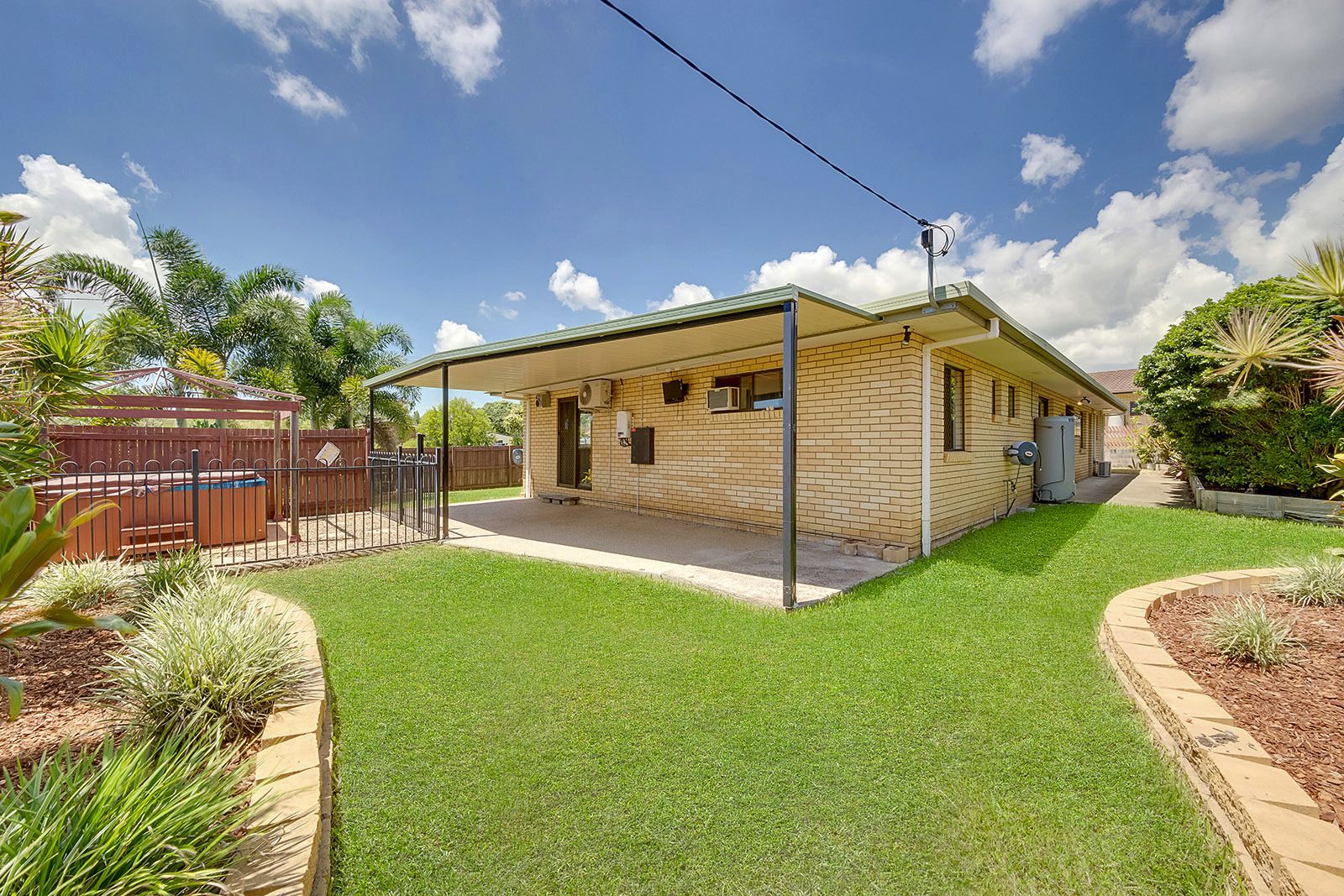 1 Aquarius St, Clinton QLD 4680, Image 1
