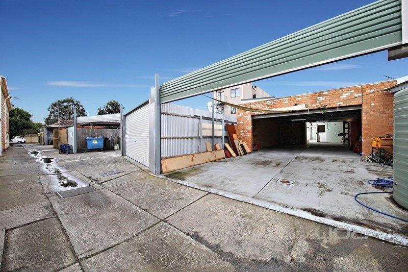 15 Merlyn Street, Coburg North VIC 3058, Image 2