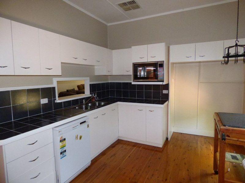 43-45 Victoria Street, St George QLD 4487, Image 2