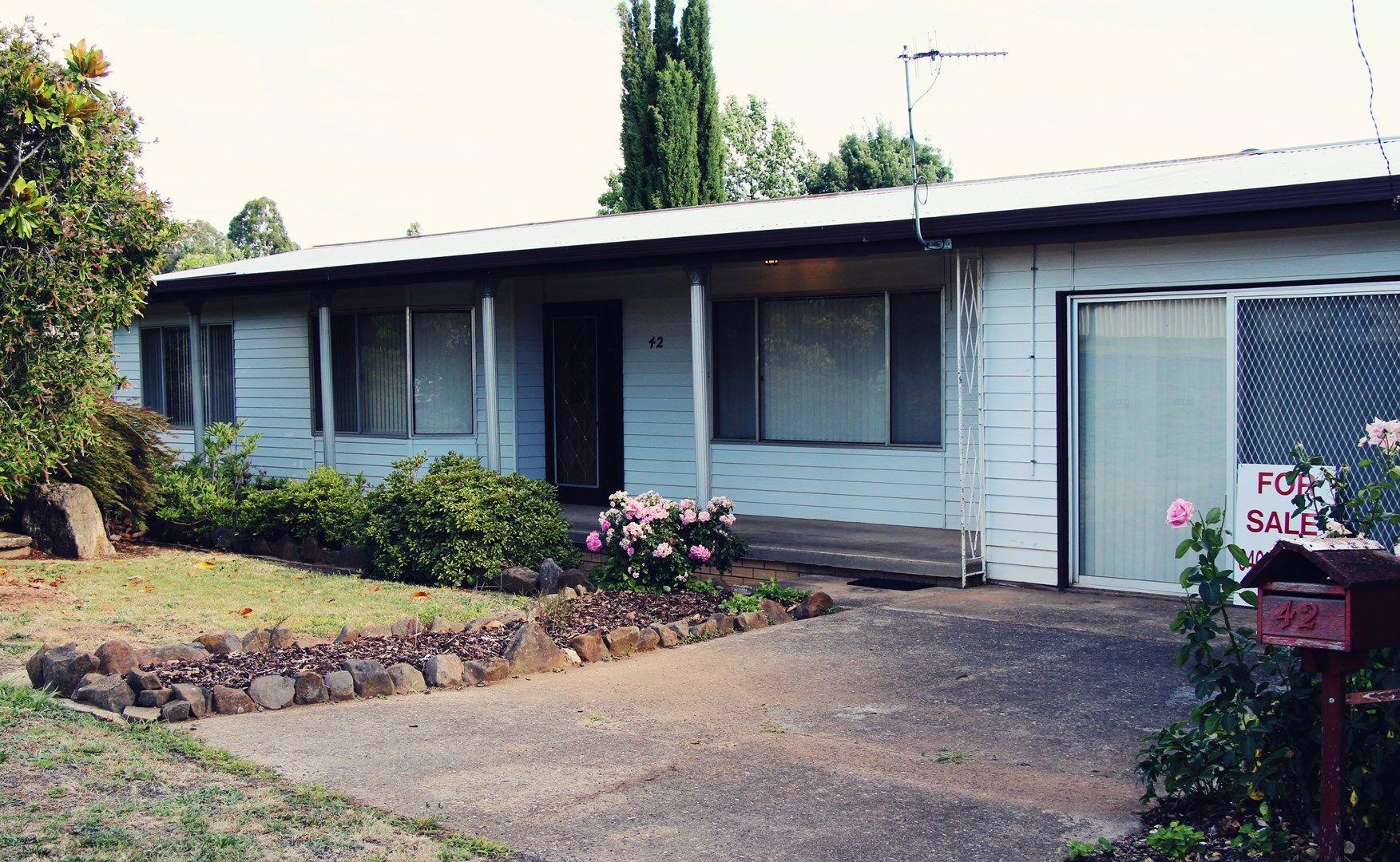 42 Clara Street, Tumbarumba NSW 2653, Image 0